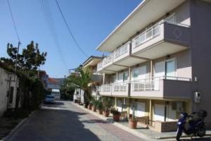 1460644395Letovanje Grčka Sarti Apartmani (28)